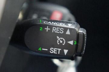 定速巡航很便利可是这个按钮不要随意按